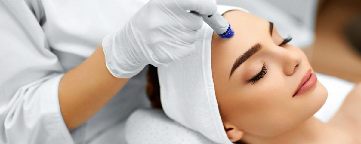 women getting medical spa treatment